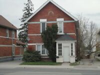Orillia - lovely inclusive 2 bedroom unit conveniently located!!