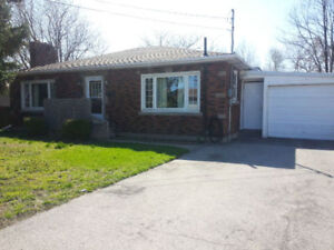 House for Rent - Niagara Falls - Available October 1st