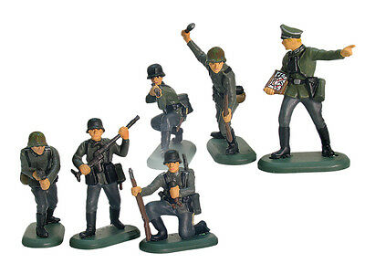 Toy Soldiers WWII German Infantry Britains Deetail 6 Piece Set 1/32 Painted