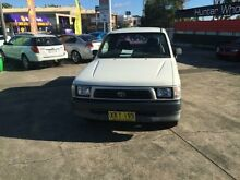 2001 Toyota Hilux RZN154R White 5 Speed Manual Extracab Cardiff Lake Macquarie Area Preview
