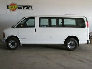 1999 GMC Savana SLE Rear-wheel Drive Passenger Van 135 in. WB