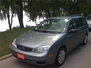 2005 FORD FOCUS SE ZXW, MINT CONDITION, NO RUST, 85,000 KM!