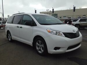 2015 Toyota Sienna 7 Passenger, Backup Cam, Climate Control, Cru