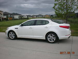 2011 Kia Optima EX loaded - with Extended Warranty