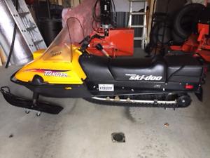 Motoneige Tundra R 2000