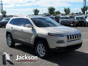 2014 Jeep Cherokee North 4WD, V6- NAV, Sunroof, Back-up Cam!