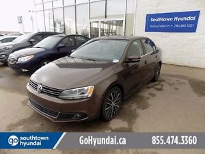 2013 Volkswagen Jetta LEATHER, SUNROOF, HEATED SEATS.