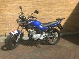 YAMAHA YBR125 (legal learner motorbike, recently MOT'd, easy access collection from E1)