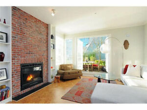 2 Leveles Townhouse Style condo at Victoria Dr / Marine Dr, Rive