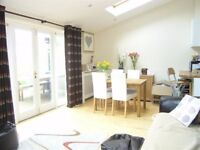 AVAILABLE 2 Bed Maisonette in Somerset Avenue, Raynes Park, SW20!!!
