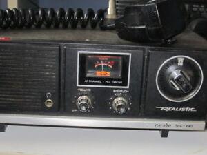 Realistic Navaho  TRC 440 Desktop CB Radio