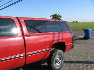 Leer Truck Cap Boite Dodge Ram 8' Pied 1993-2002 + Bedliner West Island Greater Montréal image 2