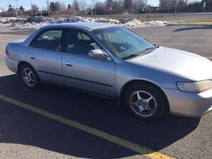 1999 Honda Accord Berline - faut voir
