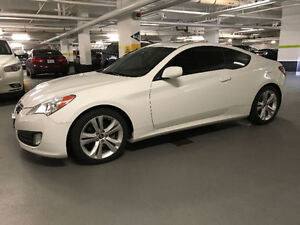 Selling - 2012 Hyundai Genesis Coupe 2.0t Coupe (2 door)