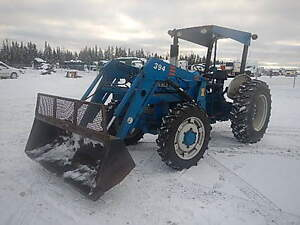 Farm tractor with loader (MFWD)
