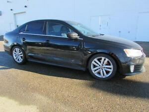 2012 Volkswagen GLI  **LEATHER-SUNROOF-TURBO**