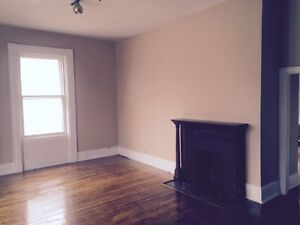 May 1 South St Downtown Large 1 Bedroom Apt Heat, Hot Water