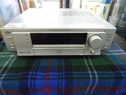 Amplifier JVC RX-7042 audio/video control reciever
