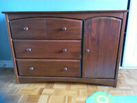 Single bed and dresser - Solid wood