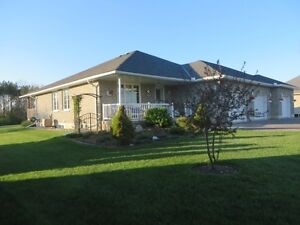 3 Bedroom Home, Bungalow, for Sale in Campbellford (Trent Hills) Peterborough Peterborough Area image 2