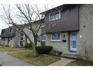 TOWNHOUSE, NORTH  ST. CATHARINES, 3 BEDROOM