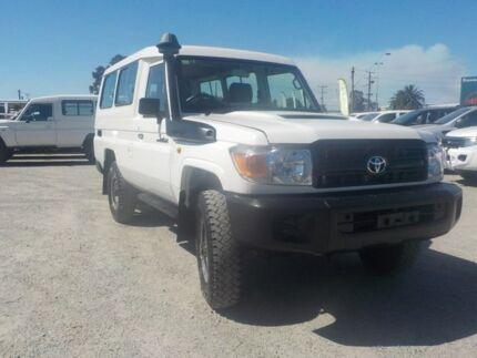 2014 Toyota Landcruiser White Manual Wagon
