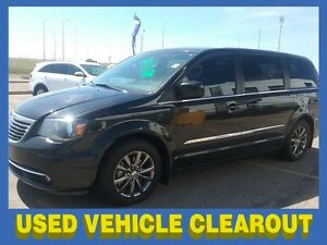 2014 Chrysler Town and Country Premium