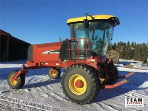 2007 New Holland HW 325 Deluxe Swather