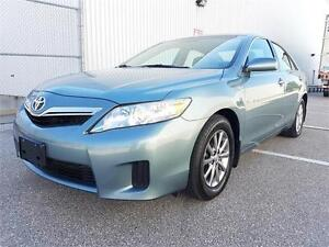 2011 Toyota Camry Hybrid - Deluxe with Alloys / Bluetooth