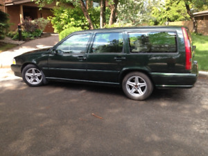VOLVO STATION WAGON - 1998 -ORIGINAL OWNER