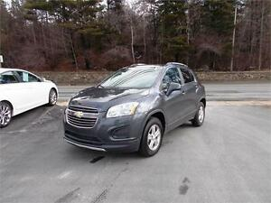 2016 CHEVROLET TRAX LT AWD...LOADED! SUNROOF & REAR VIEW CAMERA!
