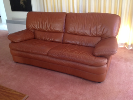 Tan Leather Lounge- excellent condition, and very comfortable
