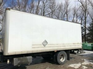 20' Insulated Truck Box with Electric Lift Gate