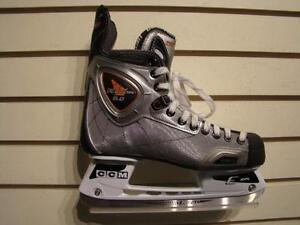 CCM. Patins de hockey -- 710516