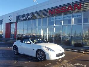 2017 Nissan 370Z Sport Touring w/Black Top