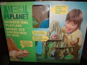 Animal Planet - Wooden Dino Playland