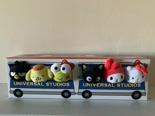 HELLO KITTY AND FRIENDS SANRIO UNIVERSAL STUDIOS BUS CHARACTER PLUSH SET - NEW