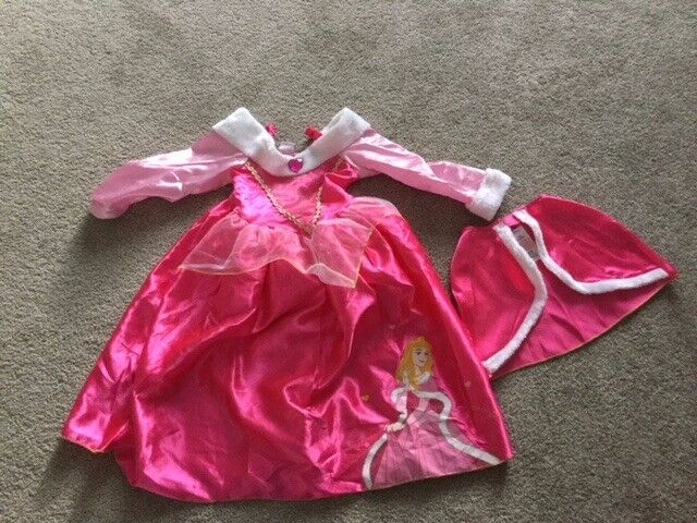Cinderella Dress and cape Aged 5-6 years