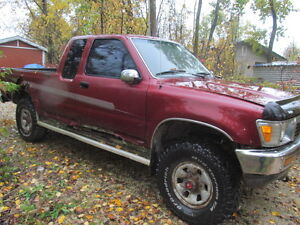 1990 TOYOTA 4X4 XTRACAB PICKUP PARTS OR RESTORE