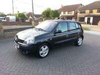 54 reg, Renault Clio 1.2 Dynamique, only 37k, one previous owner, new mot, 5 door, black,