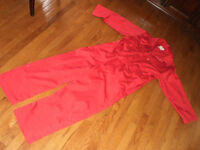 Like New MEN'S RED SIZE LARGE LONG SLEEVED COVERALL