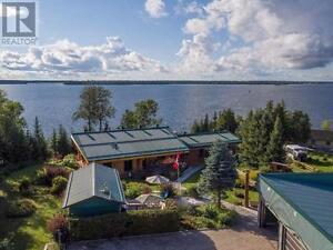 PRIVATE EXECUTIVE LOG HOME - REMI LAKE