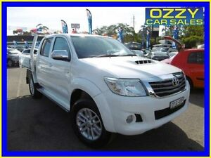 2013 Toyota Hilux KUN26R MY14 SR5 (4x4) White 5 Speed Manual Dual Cab Pick-up Penrith Penrith Area Preview