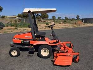 """Kubota F2560 Ride On Lawn Mower - 72"""" Front Mount Deck Wallaroo Copper Coast Preview"""