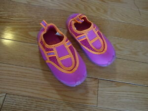 Little girls crocs / water shoes