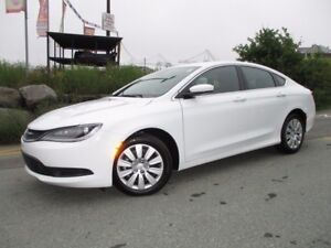 2016 Chrysler 200 LX (ONLY 600 KMS!!! ONLY $17477!!! 2.4L 4 CYL,