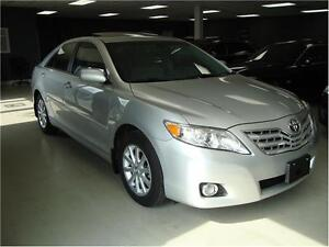 2011 Toyota Camry XLE. Low Km. Leather. Sunroof.