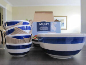 Bowl Set..Hand Painted Porcelain AHOY! 5 pieces,NEW in Box,REDUC