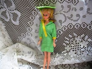 1824 COMPLETE GREEN SNAP DASH BARBIE DRESS, HAT, SOCKS, SHOES
