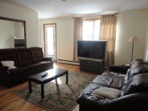 SHARE 4 BEDROOM/2 BATH FLAT between QUINPOOL/CHEBUCTO RDS